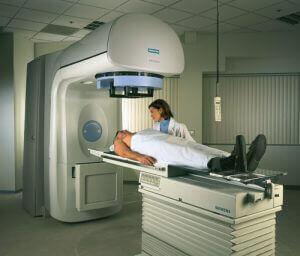 рак гортані променева