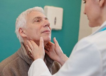 У некоторых пациентов после пересадки стволовых клеток развивается лимфома.